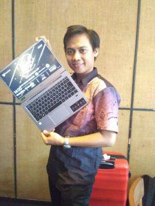 Laptop Tipis ACER